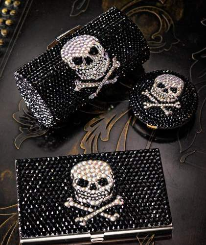 Skull & Crossbones Accessories