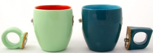 snap cup with handle