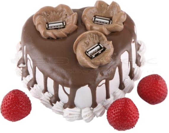 Strawberry Chocolate Cake USB Hub