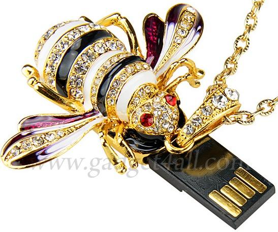 Jewel Bee Necklace USB Flash Drive