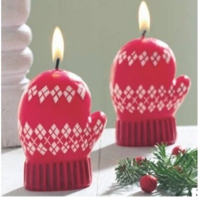 Alpine Holiday Argyle Mitten Christmas Candles