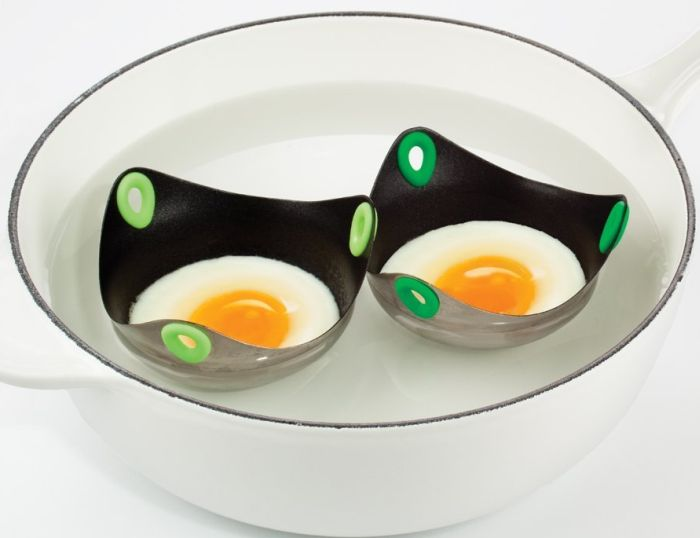 Fusionbrands 3-inch Silicone and Non-Stick Stainless Poach Pod Egg Poaching Tool