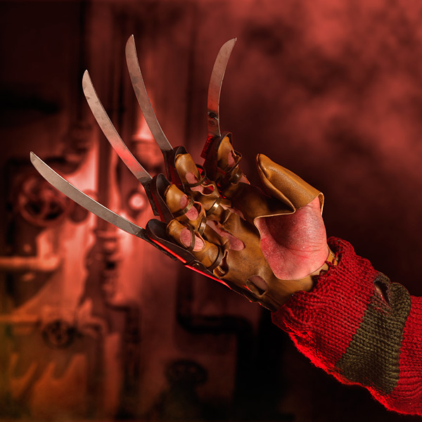 A Nightmare on Elm Street Freddy's Glove Replica