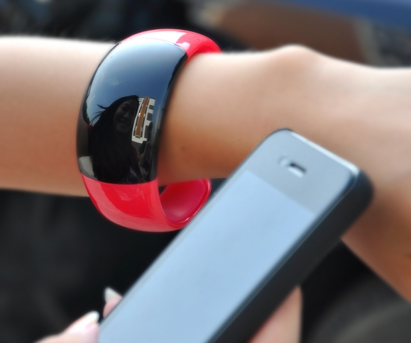 Bluetooth Bracelet with Call Answer/Talk