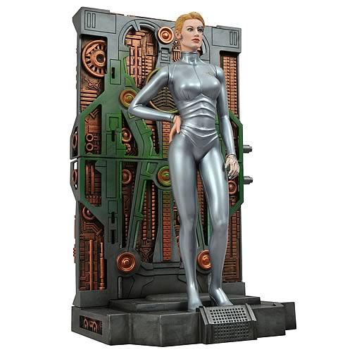 Star Trek Femme Fatales Seven of Nine Statue