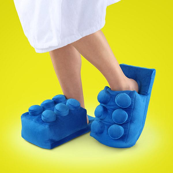 122e_brick_slippers_scale