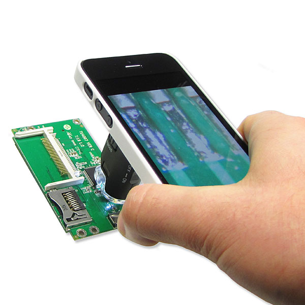 13a2_micromax_led_pocket_microscope_for_iphone_inuse