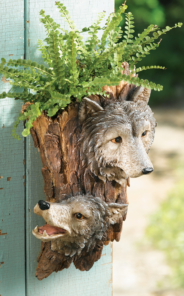 Wolf Outdoor Decorative Sculpted Wall Planter
