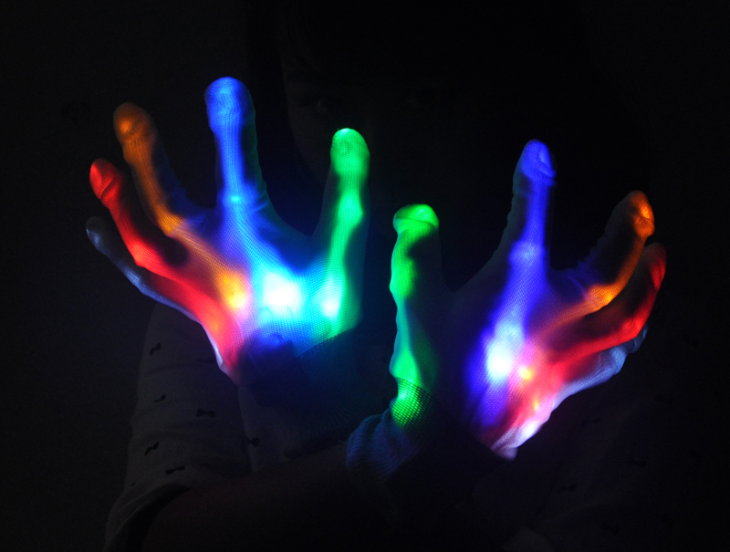 Color_Changing_LED_Gloves_VLCo6inp