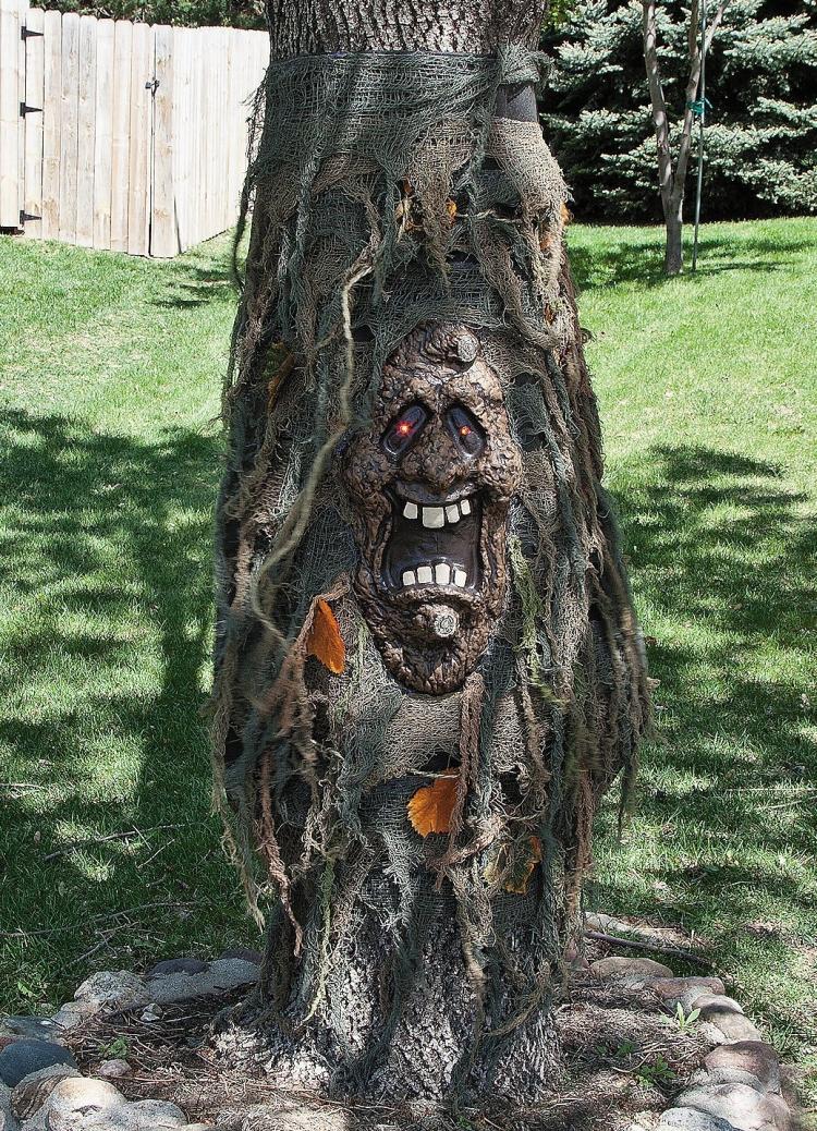 LED Tree Ghost