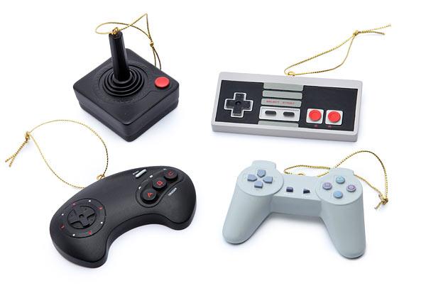 f2cd_classic_video_game_controller_ornament_set