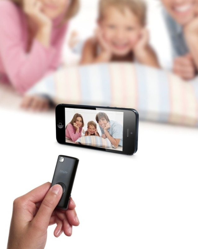 Muku Labs Camera Shutter Remote Control for iOS and Android Devices