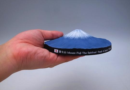 mount-fuji-360-degree-3d-map-sculpture-3