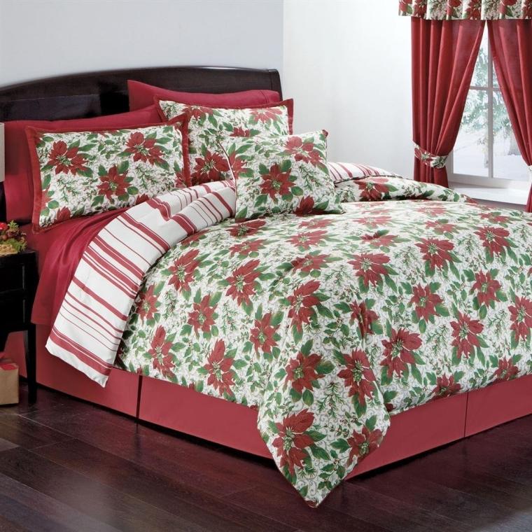 Poinsettia Wreath Comforter Set
