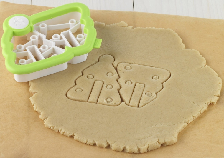 Sweet Creations 3D Mini Christmas Tree Cookie Cutter Kit
