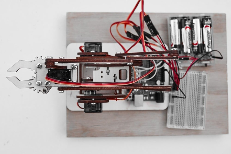 MeArm DIY Robot Arm Kit With MeCon Pro Motion Control Software and Arduino Source Code
