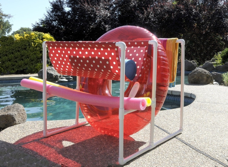 The PoolCove Raft Caddy