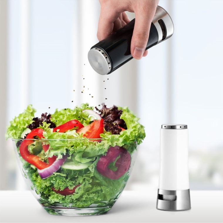 Kitchen Gizmo Magnetic Salt and Pepper Shaker Set