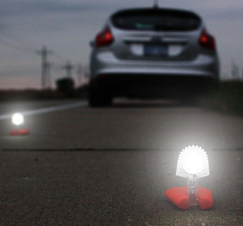 Mini LED Flashlight - 3 in 1 Flashlight + Lantern + Flare