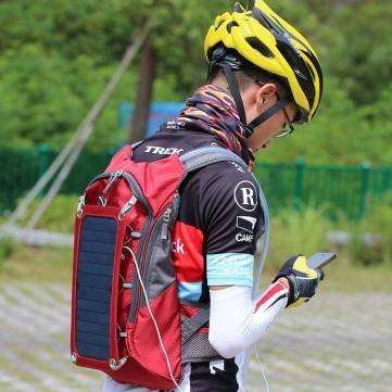 Outdoor Camping Solar Backpack Solar Hiking Bag 6.5W Solar Panel