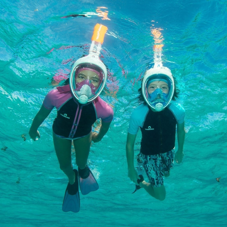 Free Breathe Surface Diving Swimming Pool Full Face Snorkel Mask with Gopro Action Camera Mount