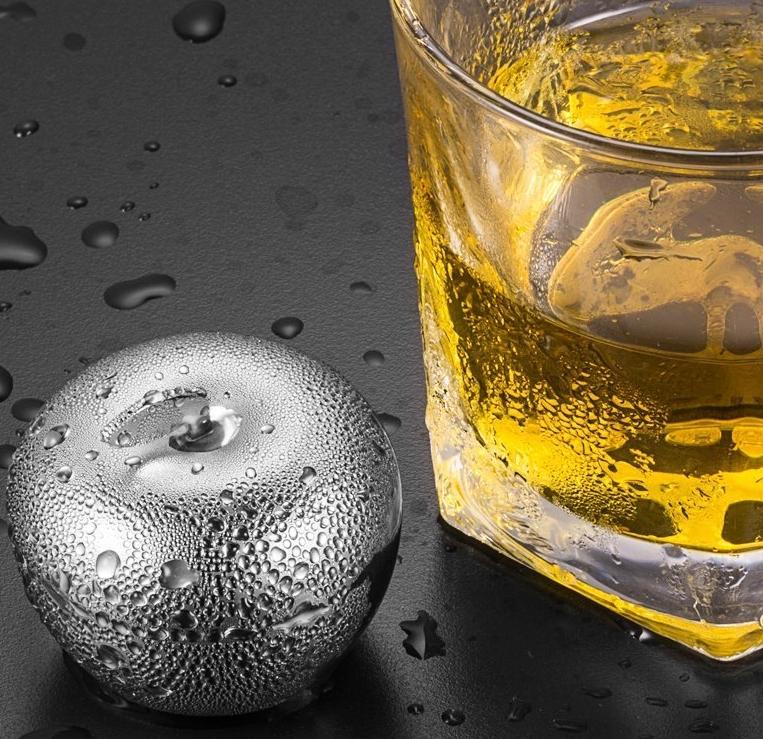 Ice Cubes Whiskey Rocks Set