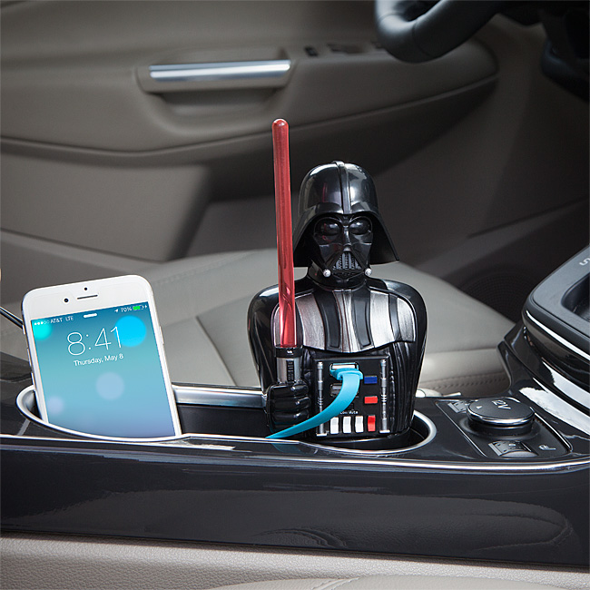 iqih_vader_usb_car_charger_inuse