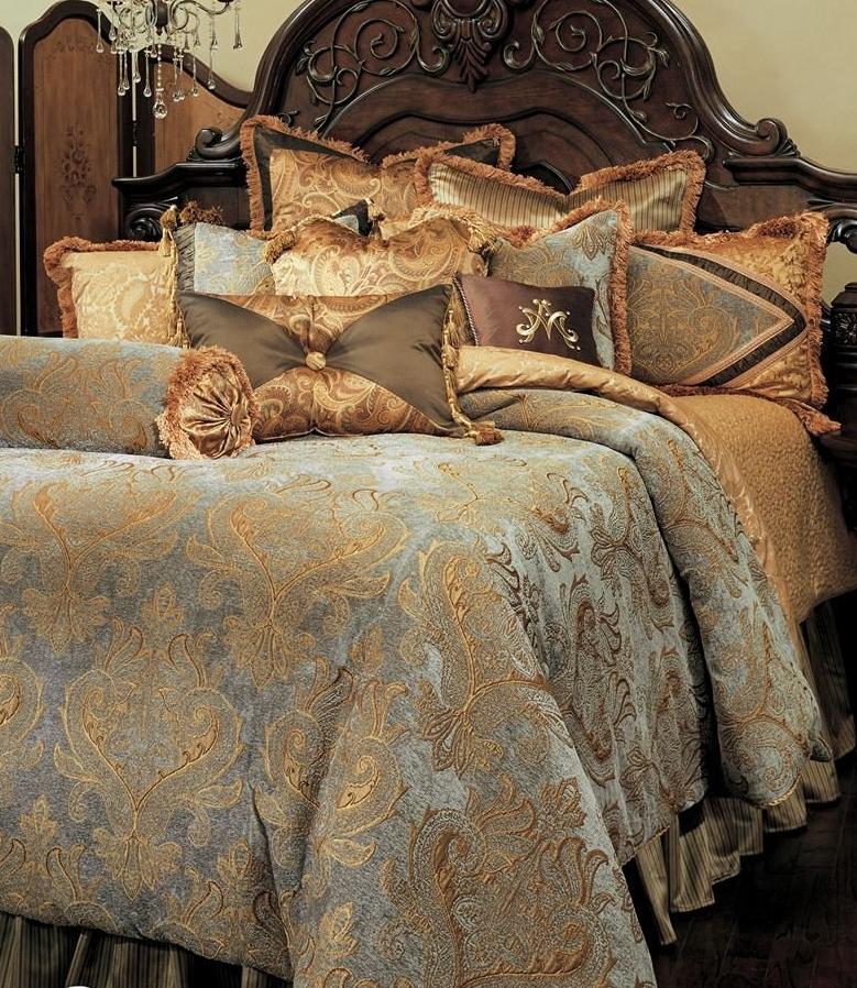 Michael Amini Elizabeth 12 Piece Comforter