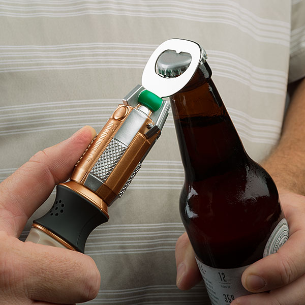 ivqq_dw_sonic_screwdriver_bottle_opener_inuse