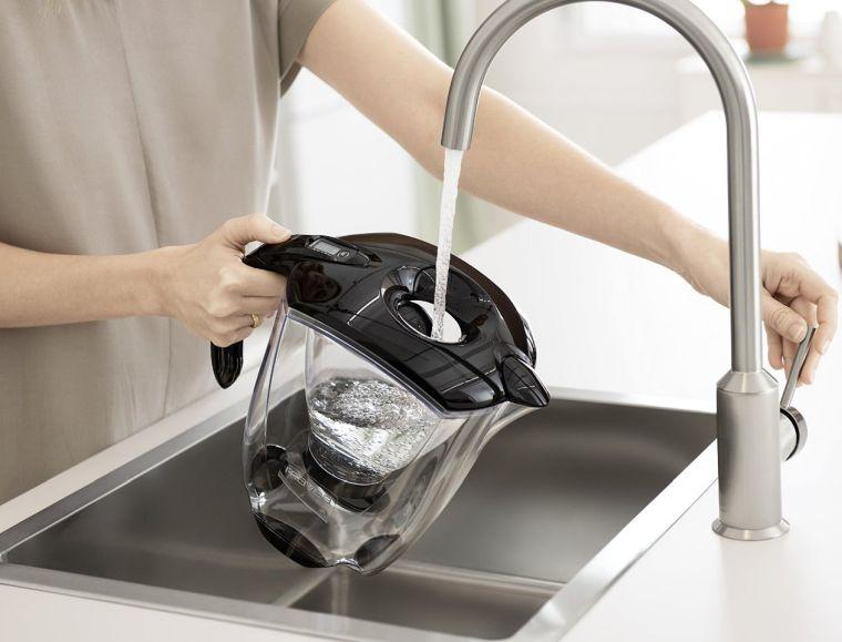 mavea-microdisc-water-filter-pitcher