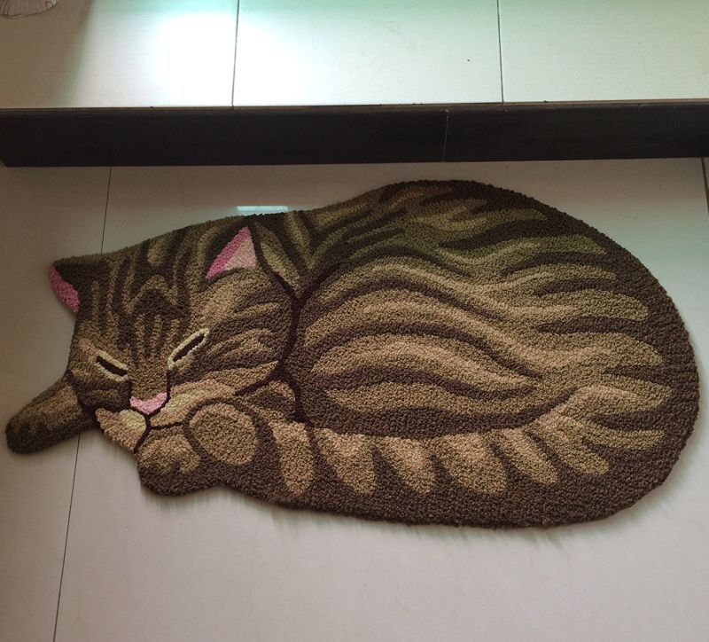 cat-shaped-bedroom-area-rug