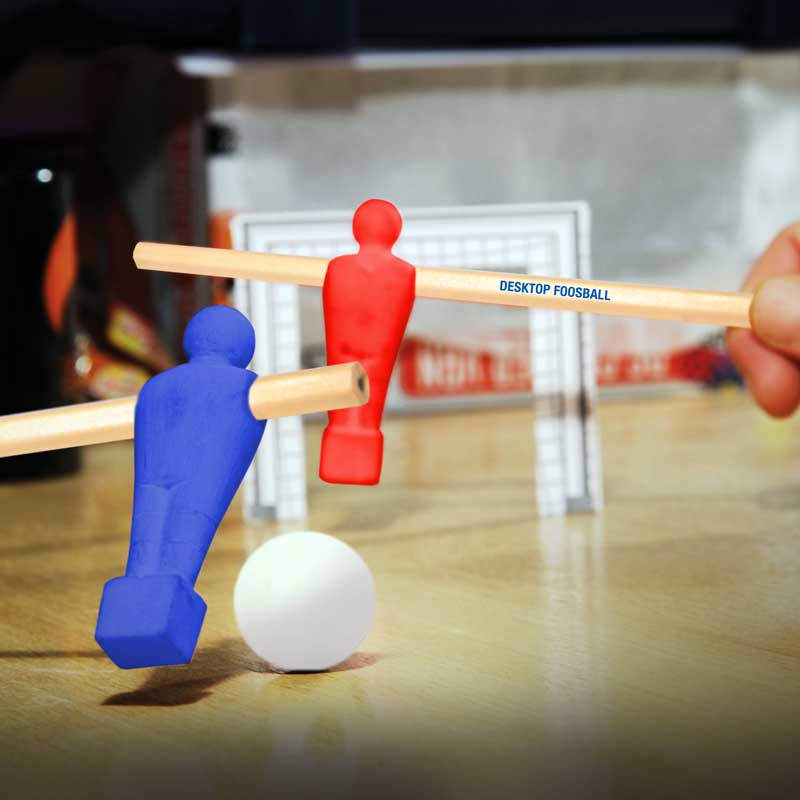 desktop-distractions-desktop-foosball-stationery-set-by-paladone-products