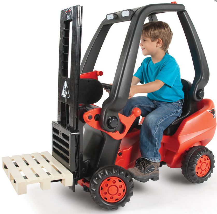 the-working-pedal-powered-forklift