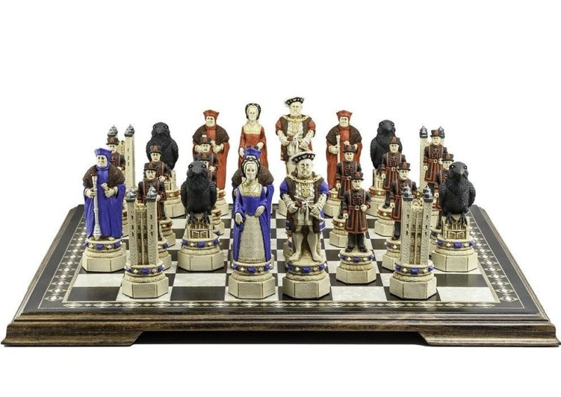tower-of-london-themed-chess-set
