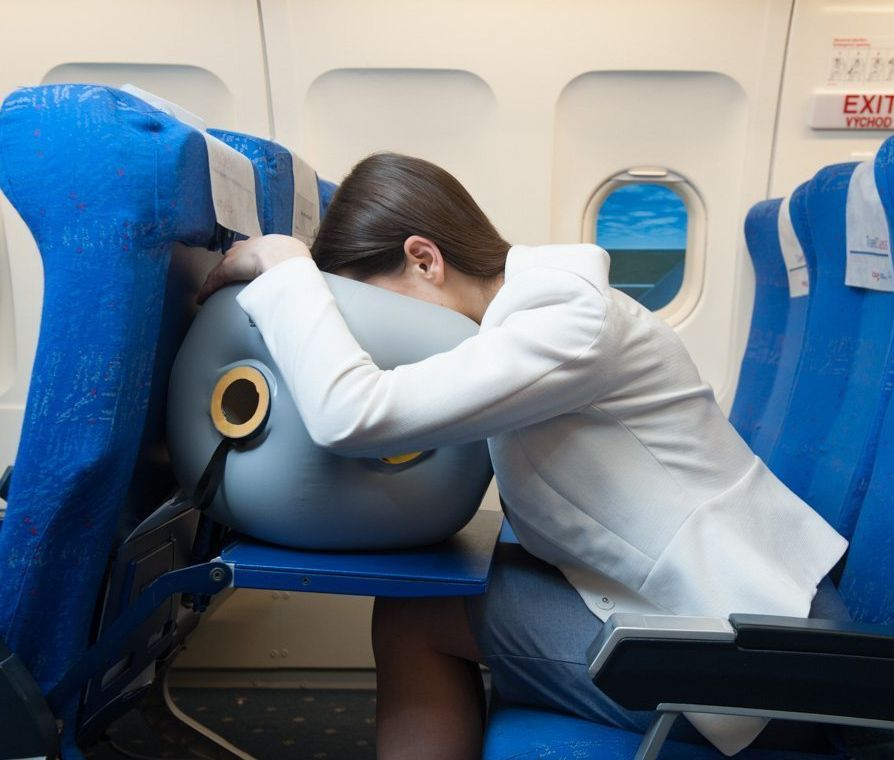 travel-pillow-inflatable-apus-relax-for-healthy-sleep-on-air-plane-best-for-your-neck-and-back