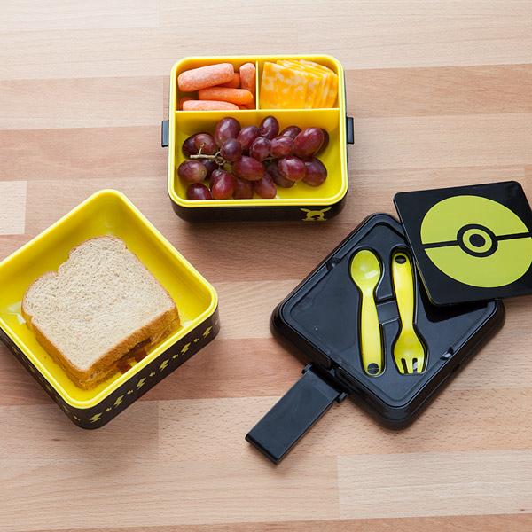 jhsp_pokemon_pikachu_gogo_lunch_box_inuse