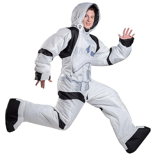 jiiu_sw_selkbag_stormtrooper_sleeping_bag_jump