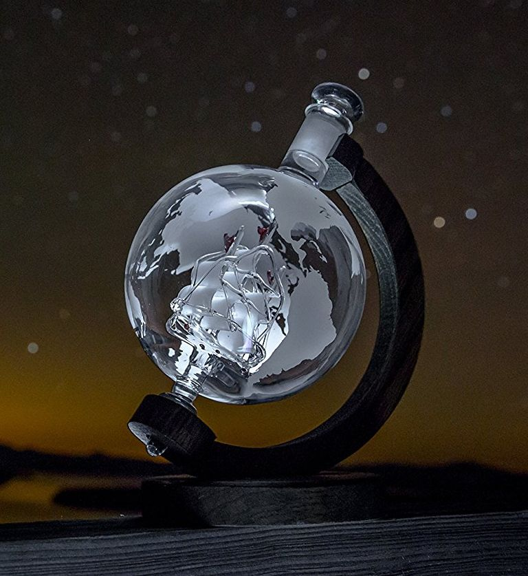 globe-whiskey-decanter