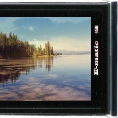 Ematic E5 4GB MP3 MP4 Player with Digital Camera
