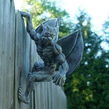 BELLA HAUS DESIGN Gargoyle Fence Topper Hanger