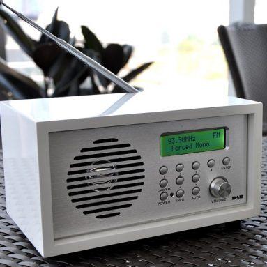 iRadio – Portable DAB/FM Radio with Alarm Clock Function